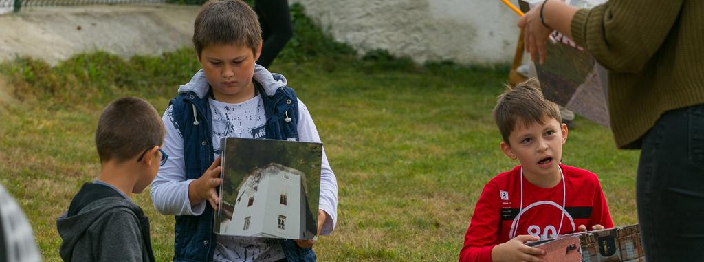 Istoria castelelor transilvănene transmise prin jucării: copii din Racoș și Vârghiș au încercat jucăriile EduCastel